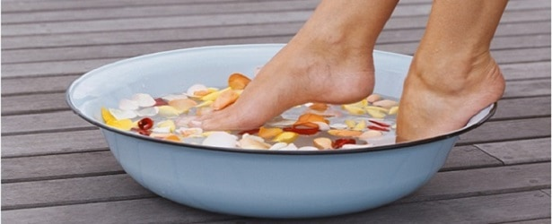 soaking athlete's foot
