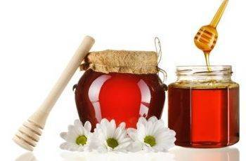 honey in a glass jars
