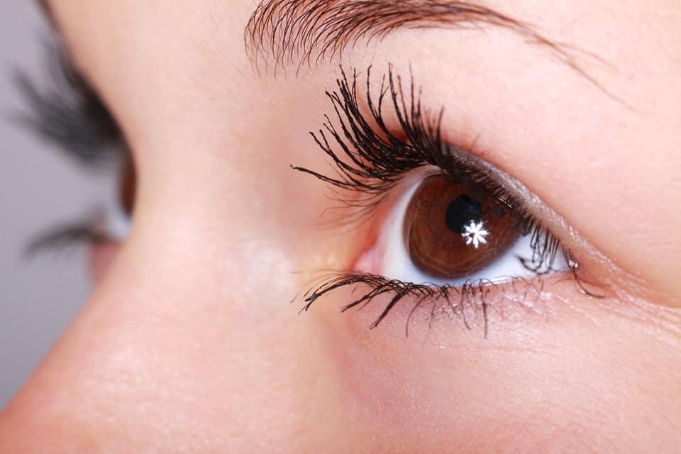 a woman eyes
