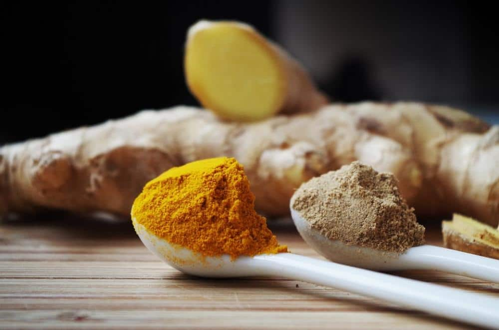 a spoonful of ginger spice powder